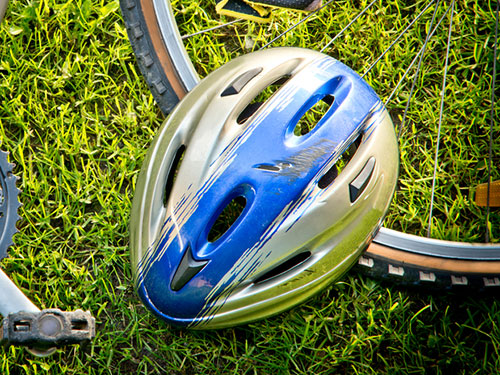 Plastics: helmet [ESL]